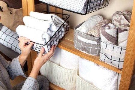 roupa de cama limpa e organizada